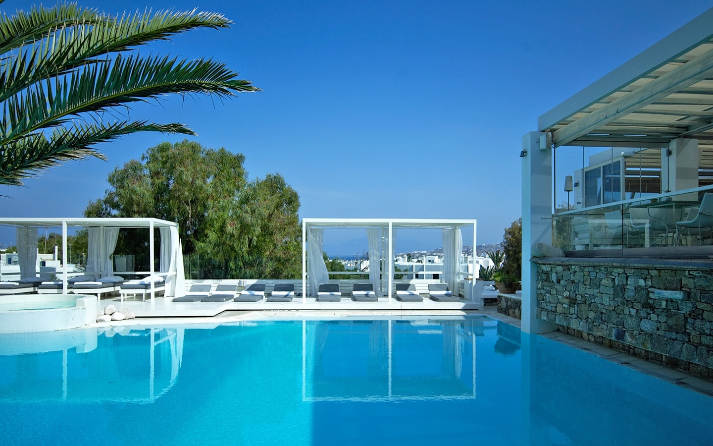 A 5 Star Hotel In Mykonos Town That Will Enchant You